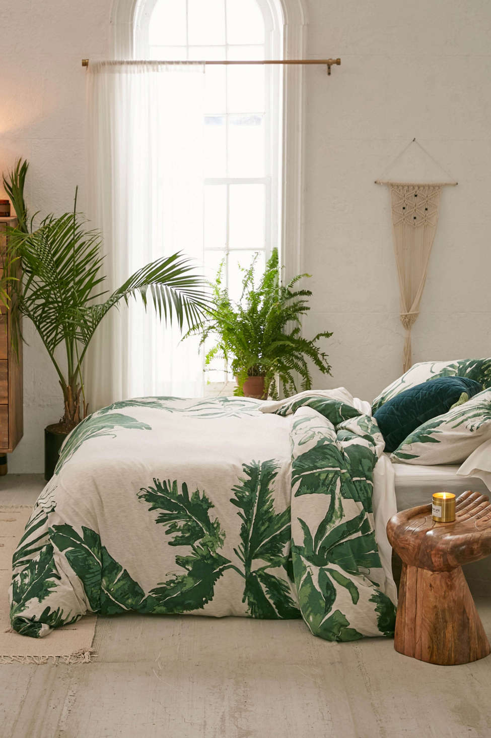 Slide View: 1: Expressive Palms Jersey Duvet Cover