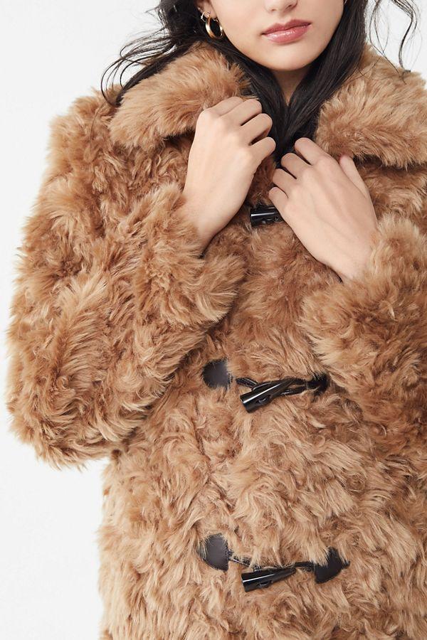 8e362f47a212e Slide View  1  Manteau en fausse fourrure à barillets Avec Les Filles