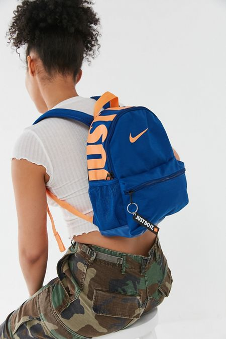 Nike - Bags + Backpacks For Women   Urban Outfitters 751dfea27a