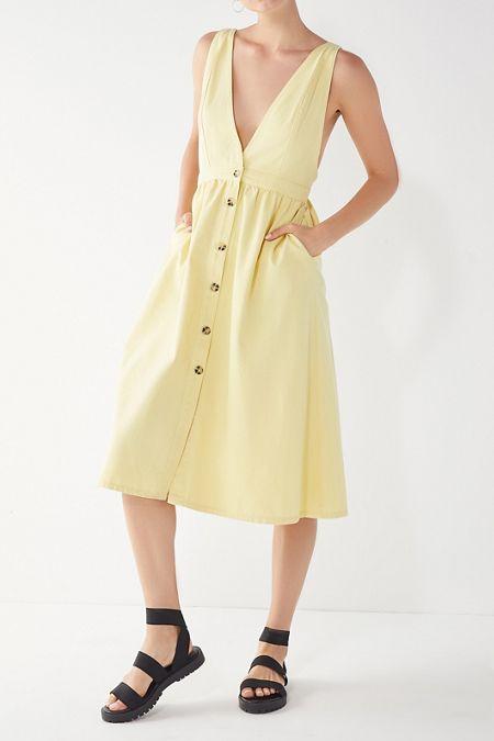 0f2b6a49466 UO Danny Plunging Button-Down Denim Midi Dress