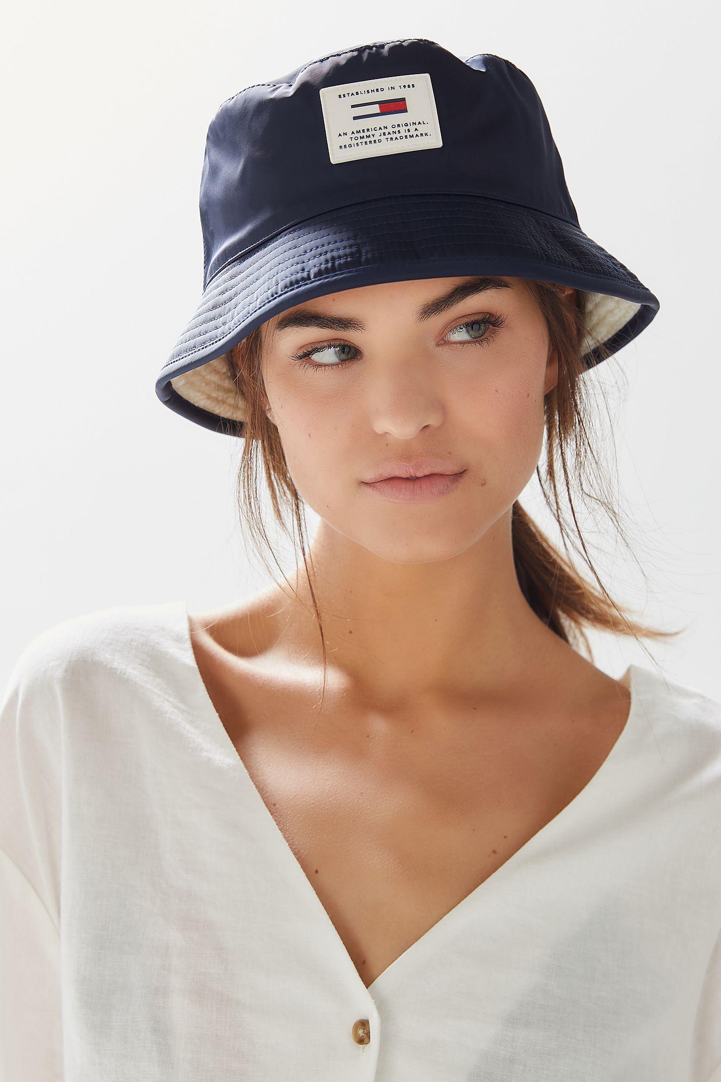 Tommy Jeans Reversible Bucket Hat  8295dd1b55fe