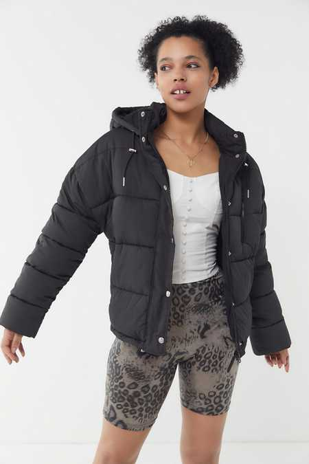 Uo Mae Hooded Puffer Jacket