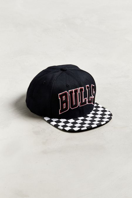 3e3138957bb Mitchell   Ness Chicago Bulls Checkered Snapback Hat