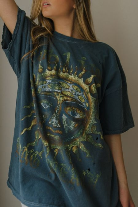 85175deb127a8 Graphic Tees for Women   Urban Outfitters