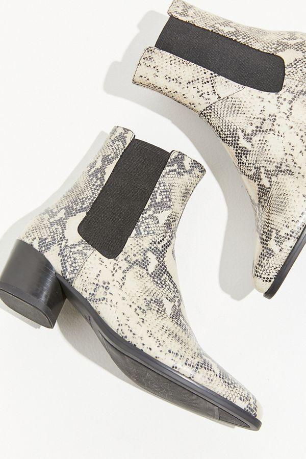 94bb03d78496f8 Slide View  1  Vagabond Shoemakers Lara Faux Snake Boot