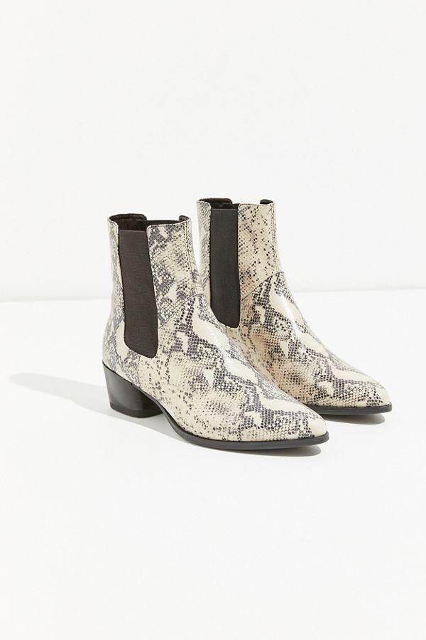 cf55f086850bb4 Slide View  2  Vagabond Shoemakers Lara Faux Snake Boot