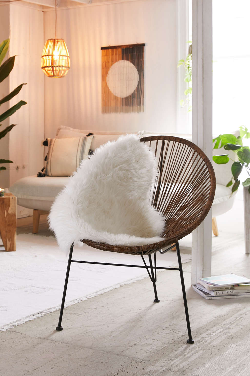 Slide View: 1: Alma Round Chair