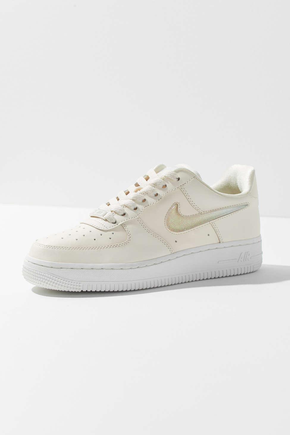 Slide View 1 Nike Air Force 1 07 Premium Lx Sneaker