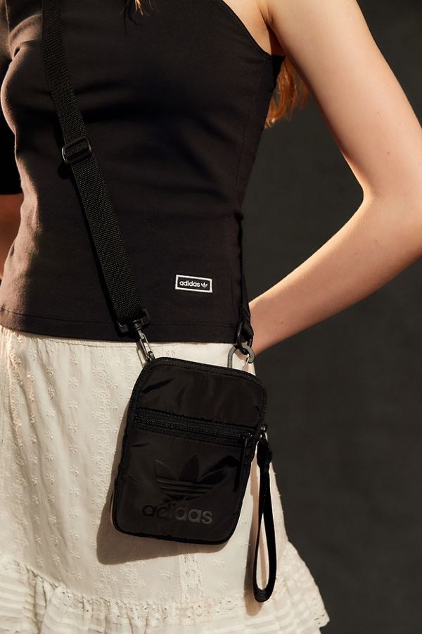 Slide View  1  adidas Originals Festival Crossbody Bag 5ff267139b9a4