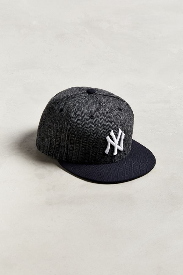 Slide View  1  New Era Pattern Pop New York Yankees Snapback Hat 4667a011be7