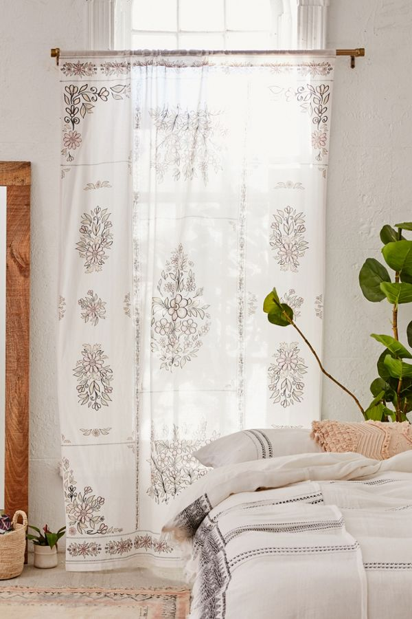 Slide View: 1: Anastasia Window Panel
