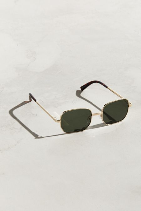 Nouveaux accessoires pour homme   Urban Outfitters Canada 522a73c24eec