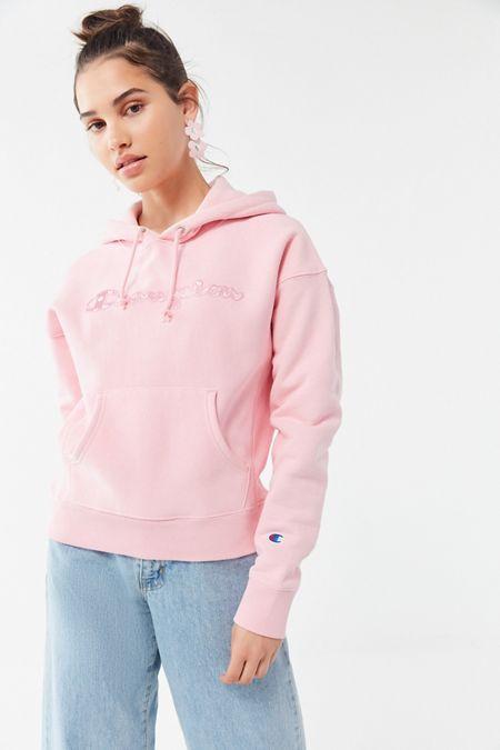 Champion UO Exclusive Daisy Logo Hoodie Sweatshirt 61d5b4cd5
