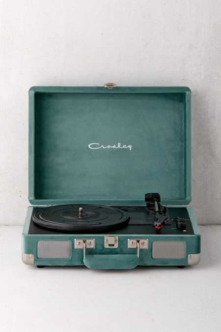 Crosley UO Exclusive Quiet Jungle Velvet Cruiser Bluetooth Record Player