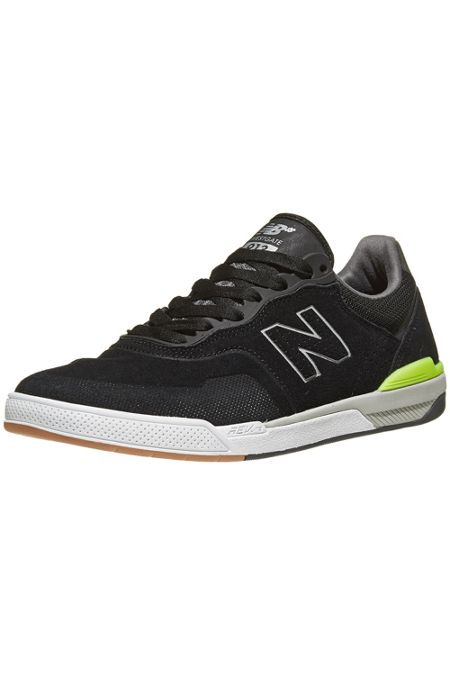 New Balance   Urban Outfitters d846e019a648