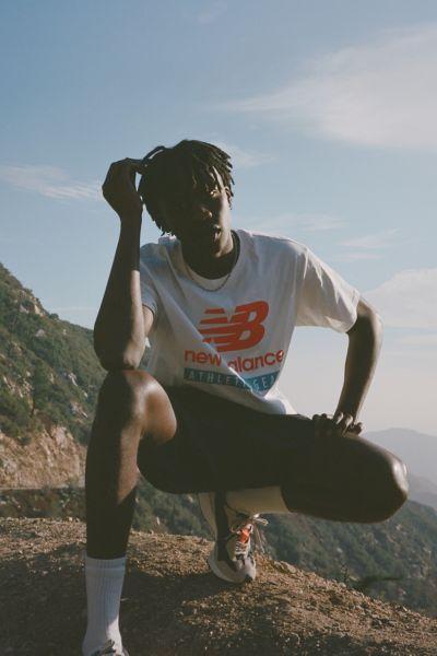 New Balance T-shirts ESSENTIALS LOGO TEE